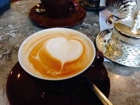 Melange im Kaffee, Espresso - Kolonial | raupenblau