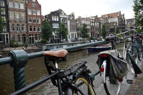 Amsterdam | raupenblau